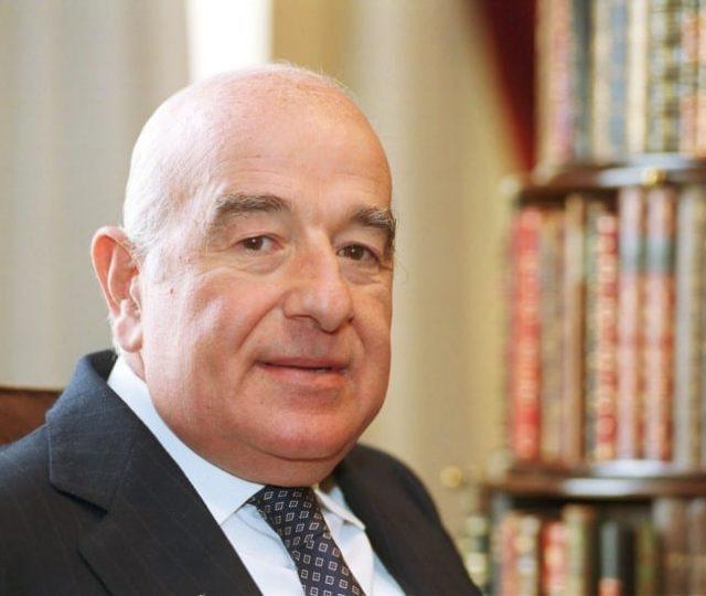 Morre o banqueiro Joseph Safra, o homem mais rico do Brasil