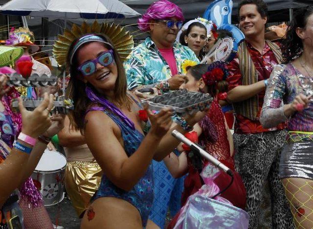 Festas de carnaval em 2021 serão adiadas ou canceladas na maioria das cidades