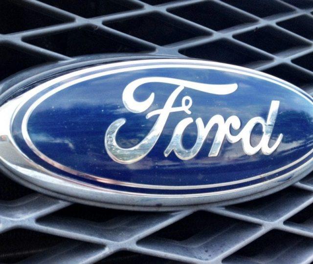 Ford vai ter que informar aos clientes por quanto tempo serão fornecidas as peças de reposição