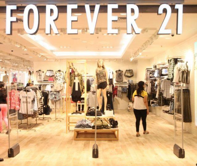 Forever 21 vai fechar 11 lojas no Brasil