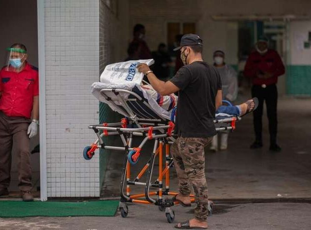Pacientes morrem asfixiados por falta de oxigênio em hospitais de Manaus