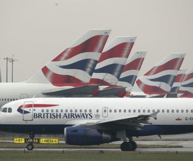 Reino Unido proíbe voos do Brasil para conter nova variante da Covid-19