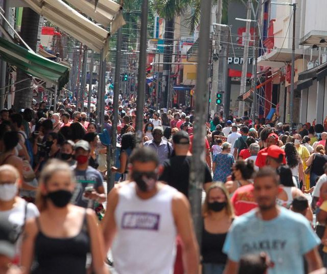 Estudo indica que Brasil pode ter imunidade de rebanho até outubro