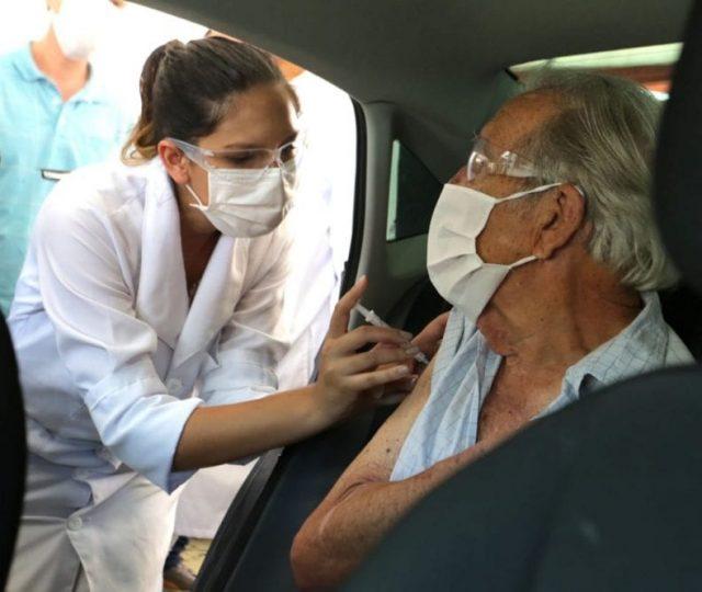 SP começa a vacinar idosos de 65 e 66 anos nesta quarta-feira (21)