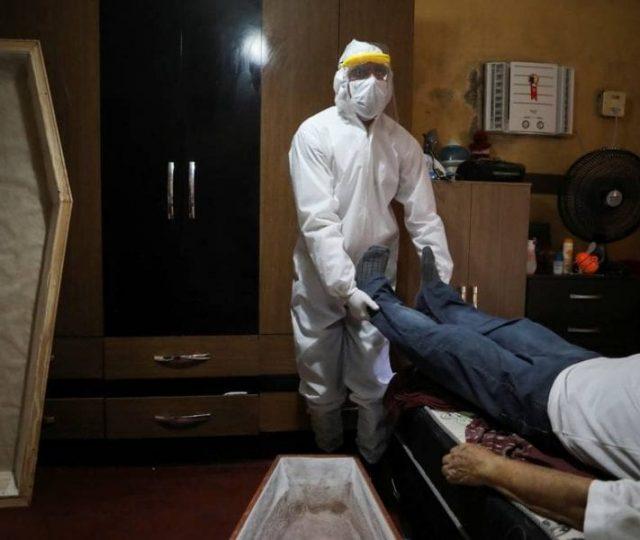 Brasil registra aumento no número de mortes em casa