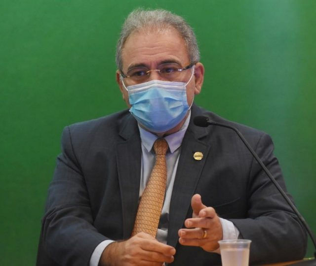 Ministro da Saúde anuncia doses extras de vacina para seis estados em regiões de fronteiras