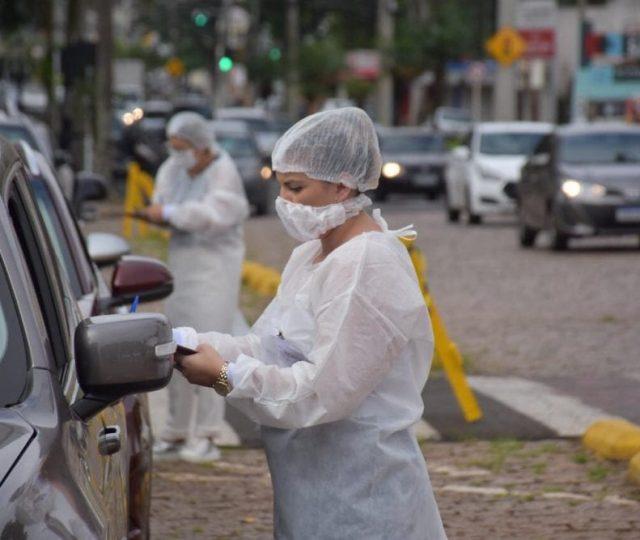 Brasil chega a 40% da população completamente vacinada contra Covid-19, diz Saúde