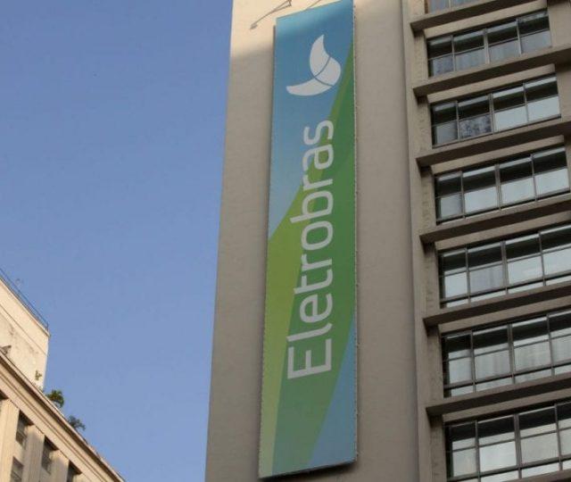 Governo diz que privatização da Eletrobras vai reduzir conta de luz em 6,34%