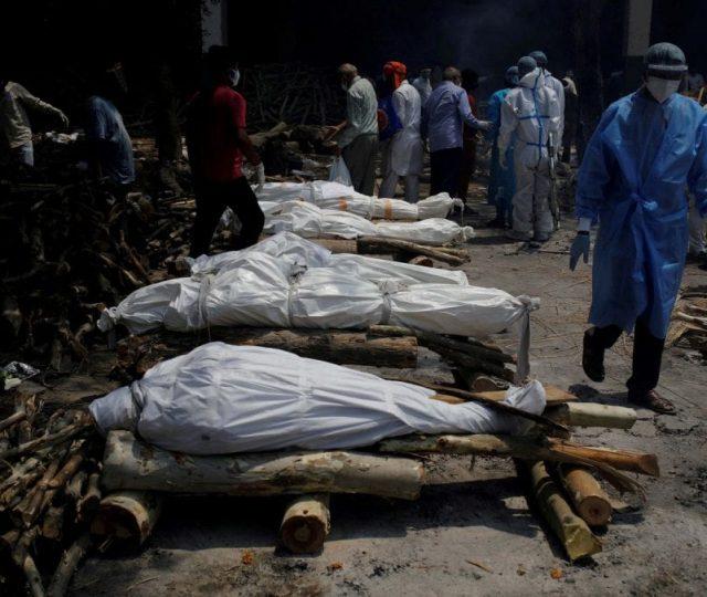 Mortes por Covid-19 da Índia passam de 250 mil; vírus se espalha na área rural