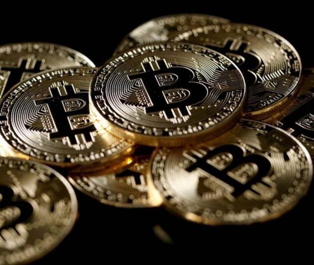 El Salvador aprova bitcoin como moeda legal