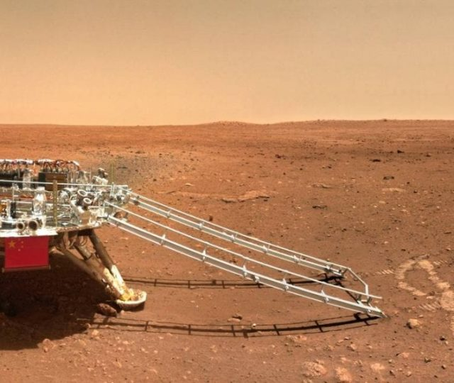 China divulga novas imagens de Marte feitas pelo rover Zhurong