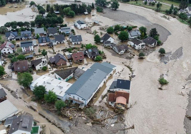 Pior inundação do século na Alemanha deixa mais de 100 mortos e cerca de mil desaparecidos
