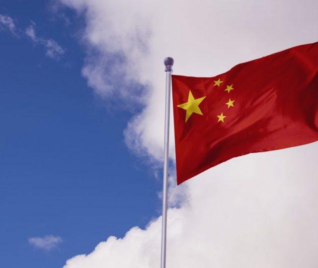 China multa empresas de vendas de chips automotivos por aumentar preços