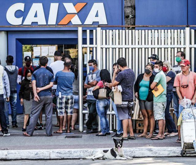 Com incerteza no ritmo de crescimento da economia, brasileiros podem ter pior natal dos últimos anos